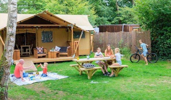 Camping met safaritent