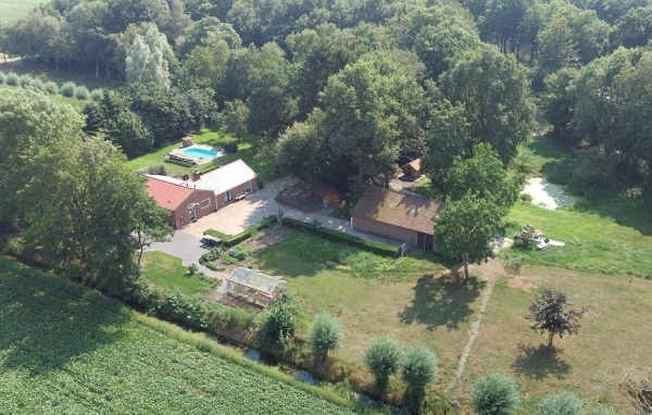 Natuurhuisje met buitenzwembad Gelderland