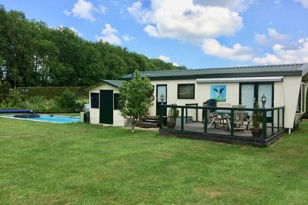 Natuurhuisje met zwembad in Gederland