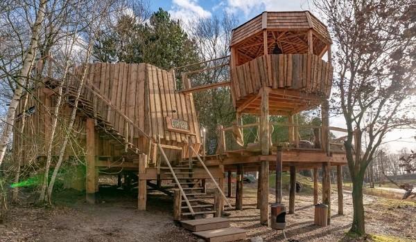 Boomhut in speeltuin Drenthe