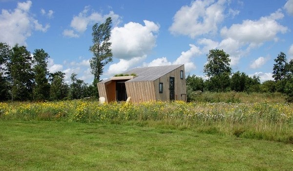 Tiny house aan kanaaltje