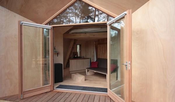 Tiny house van hout