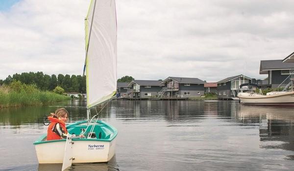 Waterpark Sneekermeer met aanlegsteiger